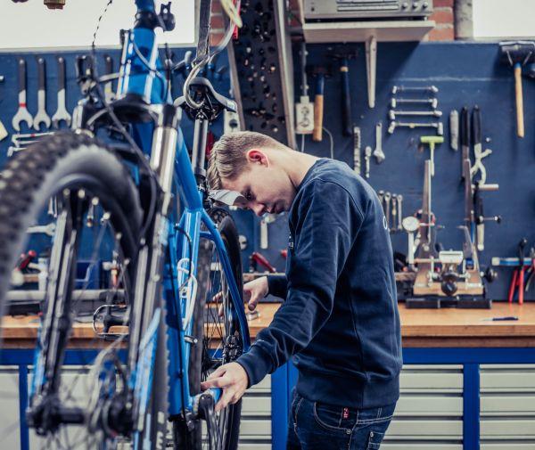 Doe tijdig onderhoud aan je fiets en vergeet de servicebeurten niet!